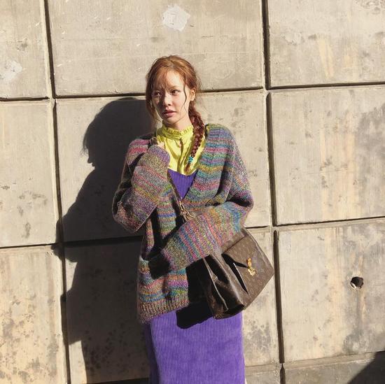 穿不出泫雅的混搭范儿 她的同款包我还不能拥有么?