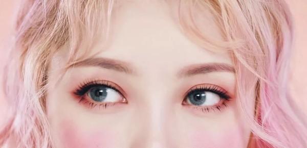 眉毛要根据发色进行变换
