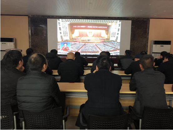 郑州:龙王办事处组织社区服刑人员学习观