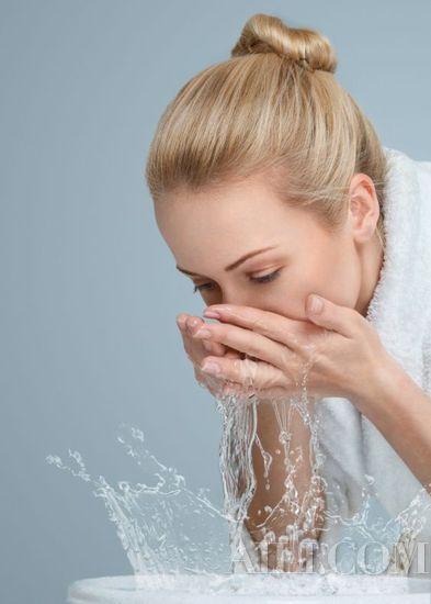 换季保养「外油内干肌」最难搞!肌肤稳了颜值才能稳