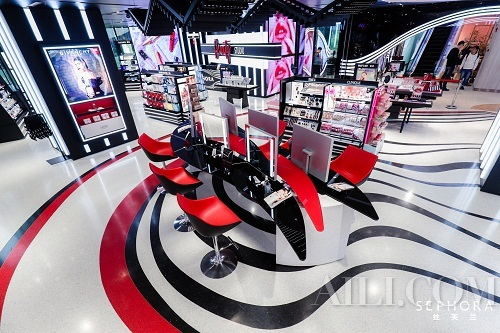 丝芙兰SEPHORA新天地广场店全新开幕 打造潮流美力社区