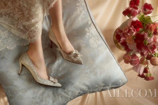 真挚爱意 璀璨加冕 —— Roger Vivier罗杰·维维亚2019婚礼系列