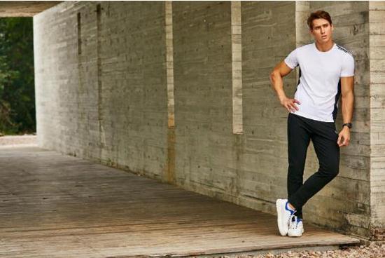 从运动潮流服饰到网球公开赛举办:基因·法曼斯如何重新定义时尚