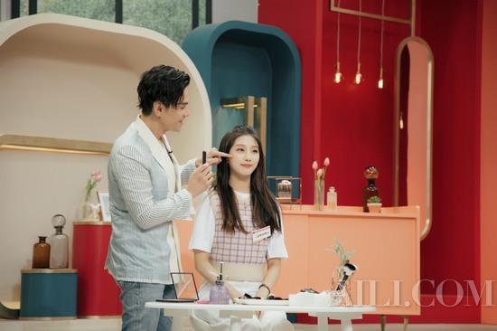 韩式美妆不再主流? 华人彩妆大师Kevin打破韩综惯例,成为首位邀的外国嘉宾!